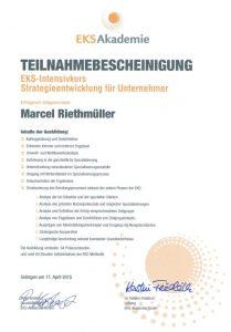 Engpasskonzentrierter Strategieberater Marcel Riethmüller für Energieeffizienz in Unternehmen