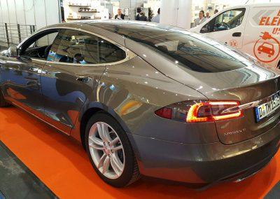 Tesla Model S Expert ecogreen Energie auf der expert Messe